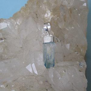 Aqua Aura Kristal Hanger 1