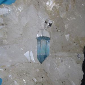 Aqua Aura Kristal Hanger 2